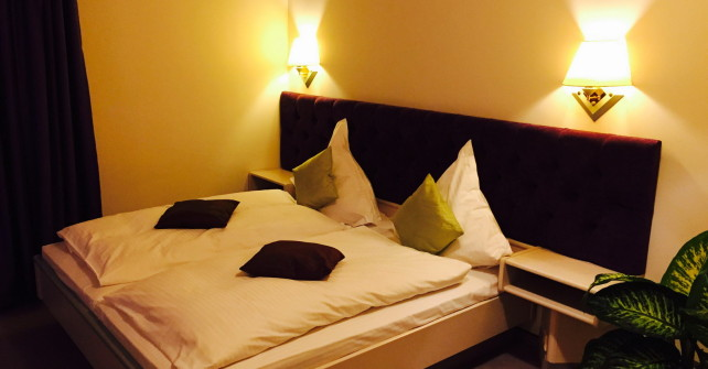 Double Room | Doppelzimmer – From 75€ / night